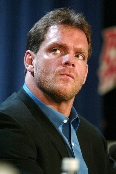 Chris Benoit fue una estrella de la Lucha Libre hasta que en el 2007 ase...