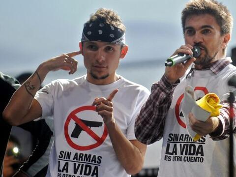 El cantautor colombiano Juan Esteban Aristizábal, Juanes, encabez...