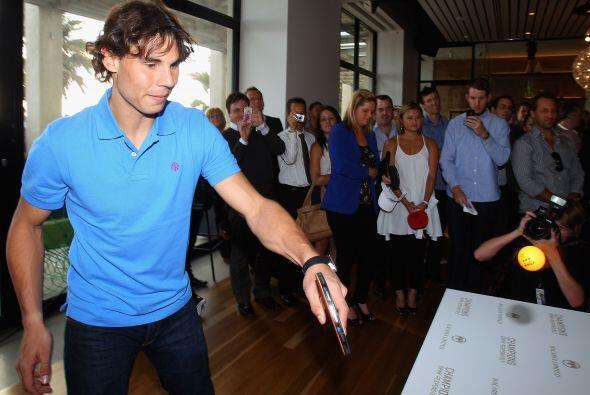 El tenista llega al Abierto de Australia asegurando que su lesión en el...