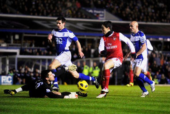 Arsenal fue muy superior a ru rival, dominó y controló la pelota. Buen t...