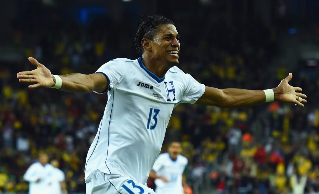 Carlo Costly (Honduras) - 13 goles en 30 partidos durante dos eliminator...
