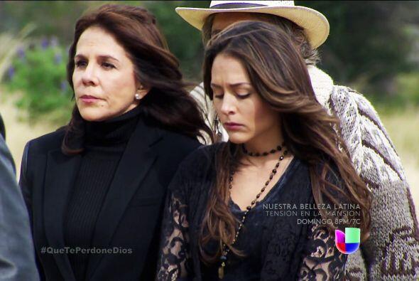 Lo sentimos mucho Renata, el cura Francisco fue más que un confidente, f...