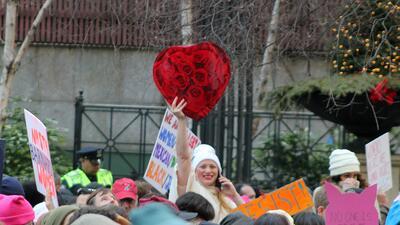 En fotos: La gente y las pancartas de la marcha de las mujeres en Nueva York