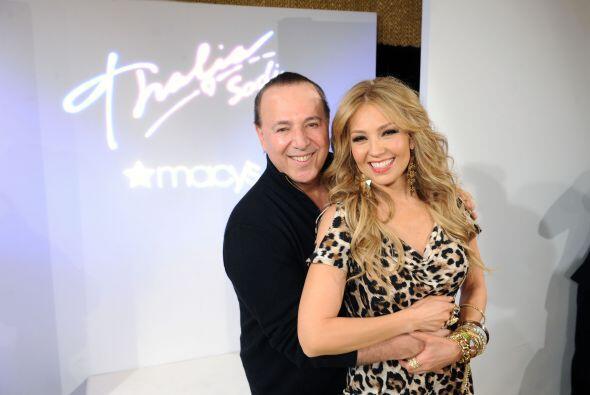 Thalía está súper enamoradísima de Tommy Mottola, pese a que el empresar...
