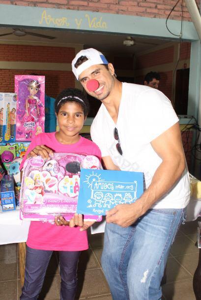 Los niños estaban felices con los juguetes que recibieron. Cortesía: Nic...