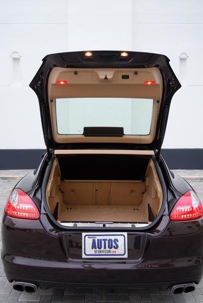 A pesar de sus características deportivas el espacio en la maletera es a...
