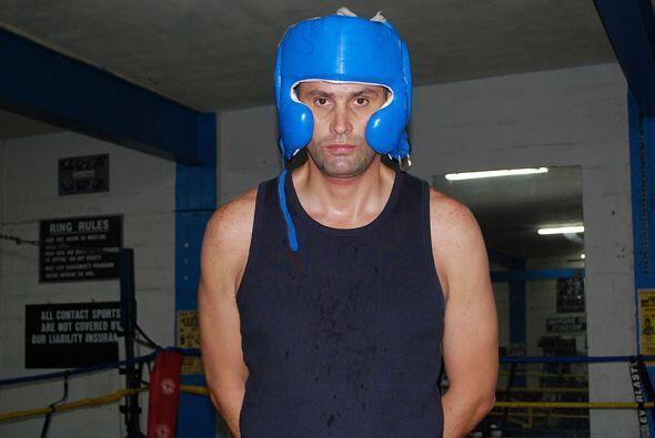 Iván nos muestra mucha concentración antes de irse a boxear...