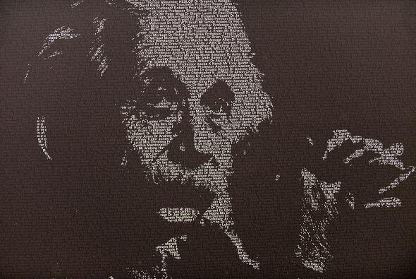 """7. ALBERT EINSTEIN """" Este genio generó $10 millones en los últimos doce..."""