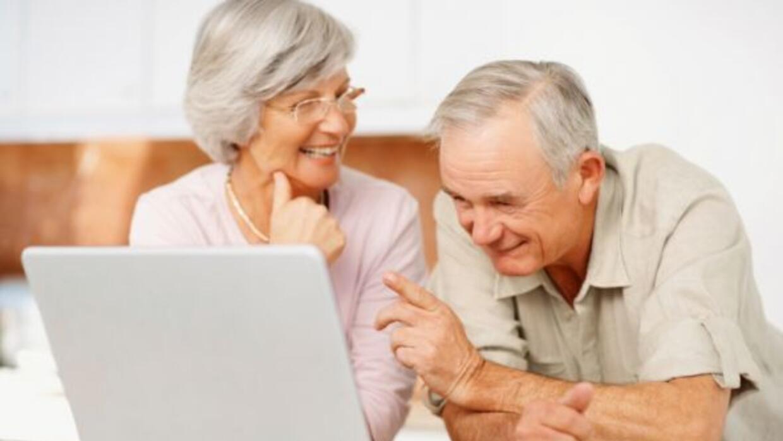 El año pasado aumentó el número de ususarios de la tercera edad en Faceb...