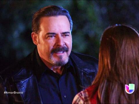 Dionisio no tiene límites y ya le pidió a Camila una noche...