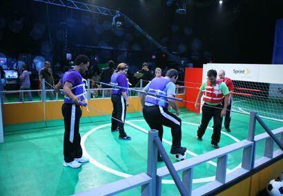 Mientras los participantes ponían el talento en la cancha, la producción...
