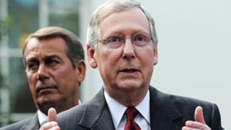 De izquierda a derecha los líderes republicanos del Congreso, el preside...