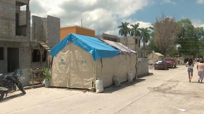 Un año después del terremoto que devastó México muchas familias siguen viviendo en carpas