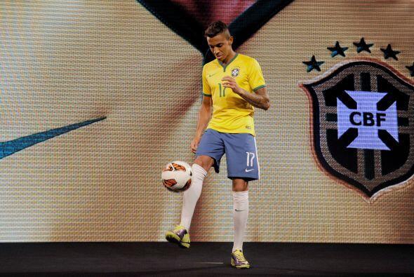 Brasil presentó su playera para el Mundial
