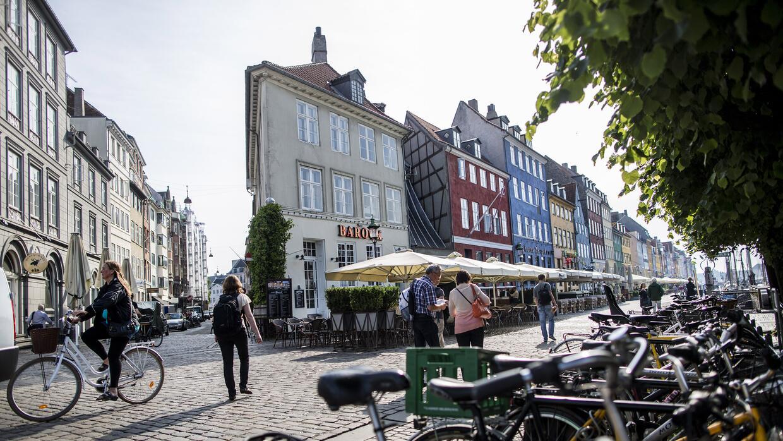 Si bien han disminuido los viajes en bici, la capital de Dinamarca sigue...