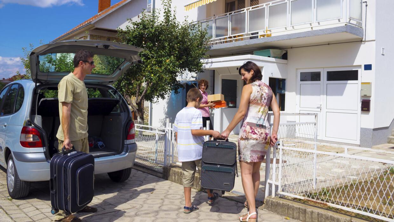 'Tips' para mantener tu casa resguardada durante las vacaciones.