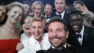 """¿Cuánto crees que vale la famosa """"selfie"""" de los Oscar?"""