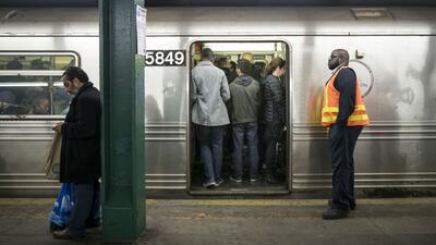 Falta de mantenimiento y caída en el número de usuarios: qué está pasando con el Metro de Nueva York