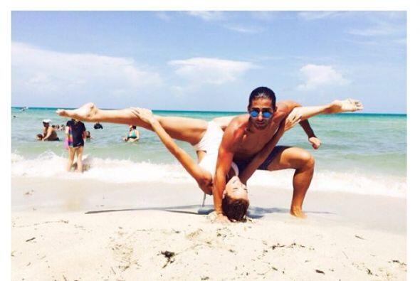 La yoga es una de sus actividades principales, las cuales disfruta hacer...
