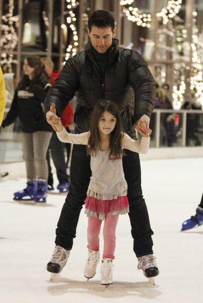 Aprendiendo a patinar. Más videos de Chismes aquí.