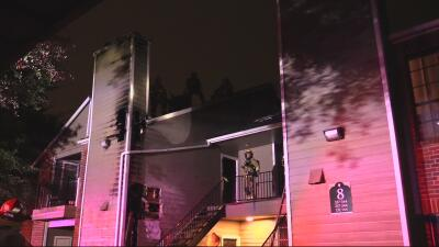 Se incendian seis departamentos del complejo High Oaks en Austin