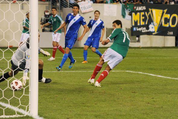 'Chicharito' era la figura del equipo y sus goles cotizaban alto. El 'Tr...