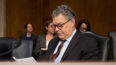 El senador demócrata Al Franken ha sido señalado por varias mujeres de m...