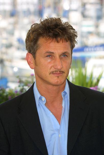 Sean Penn  en I'm Sam  Una joven mujer abandona a su hija el mismo día e...