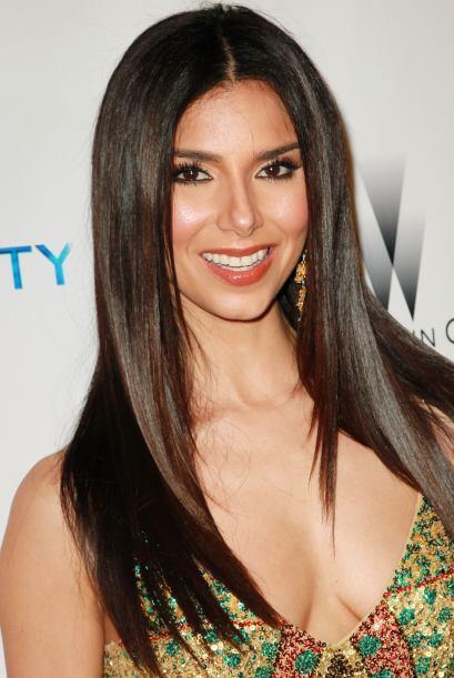 Por parte de Puerto Rico seleccionamos a la actriz Roselyn Sánchez.