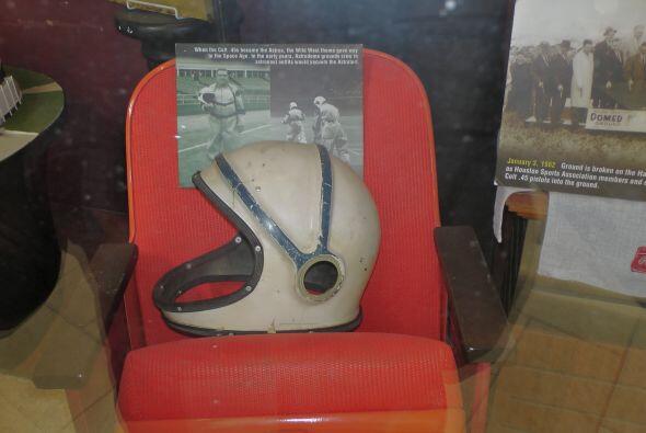 Aunque tal vez un casco habría sido mas apropiado… Pues los Astros repre...