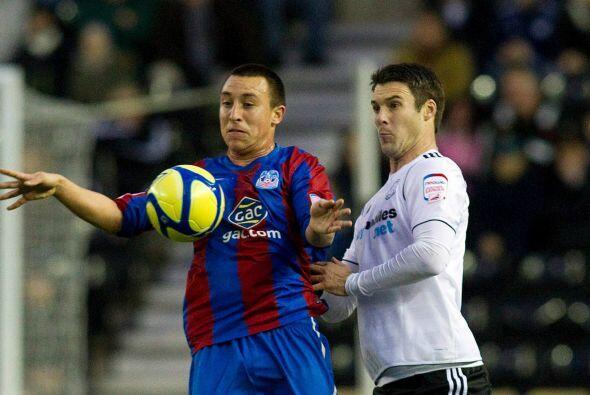 Antonio Pedroza intentó aprovechar su ascendencia británica para jugar e...