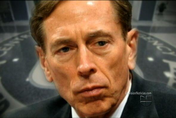 Washington estaba conmocionado luego de la dimisión del jefe de la CIA,...
