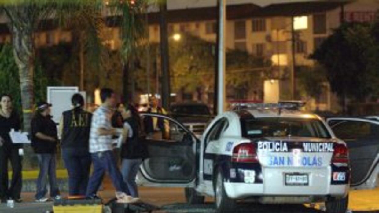 Testigos dijeron a las autoridades que tres hombres cerraron el paso al...