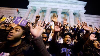 Las protestas por el caso Brown se extienden por el país