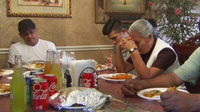 Tras 17 años sin verse, familia hispana se reencuentra para disfrutar del Día de Acción de Gracias
