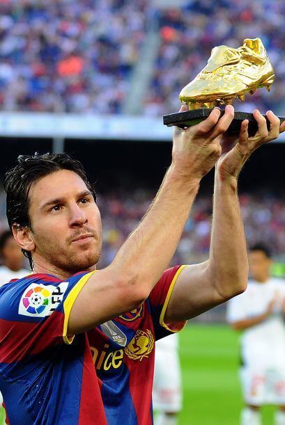 Previo al duelo, Lionel Messi mostró ante toda la gente en el Camp Nou s...