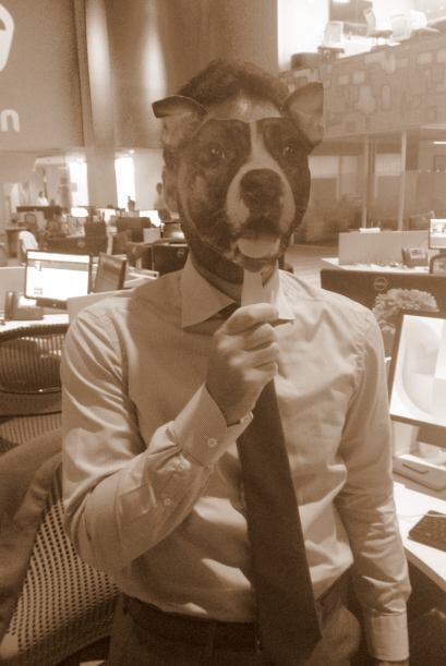 Esta es la mascota de este talento de Noticias Univision. ¿Lo reconoces?...