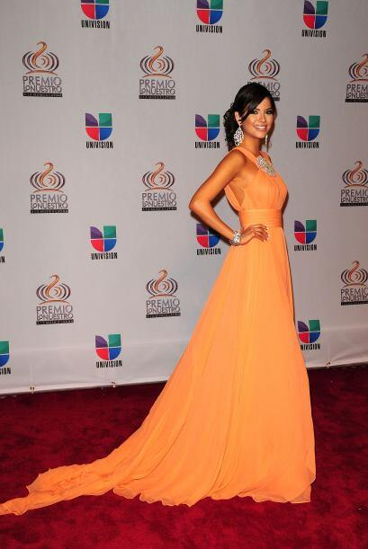 Ana Patricia González lució fresca de naranja y sobresalió con esta elec...