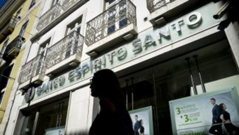 La entidad financiera de Portugal Banco Espirito Santo (BES) se encuentr...