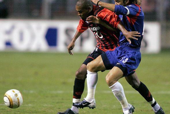 En aquella ocasión se enfrentó al Atlético Paranaense y en el juego de i...