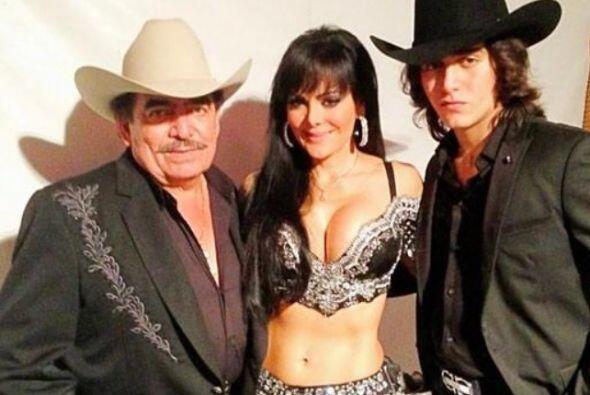 La ex esposa de Joan, Maribel Guardia, y su hijo Julián, así como José M...