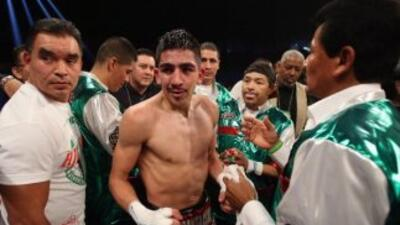 Leo Santa Cruz va por un triunfo más en este 2013.