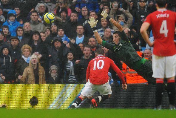 Más tarde se marcó un penalti para los 'Devils'. Rooney lo falló.