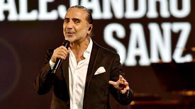 Alejandro Fernández le cantó con el corazón a su amigo Alejandro Sanz en la gala de 'Persona del Año'