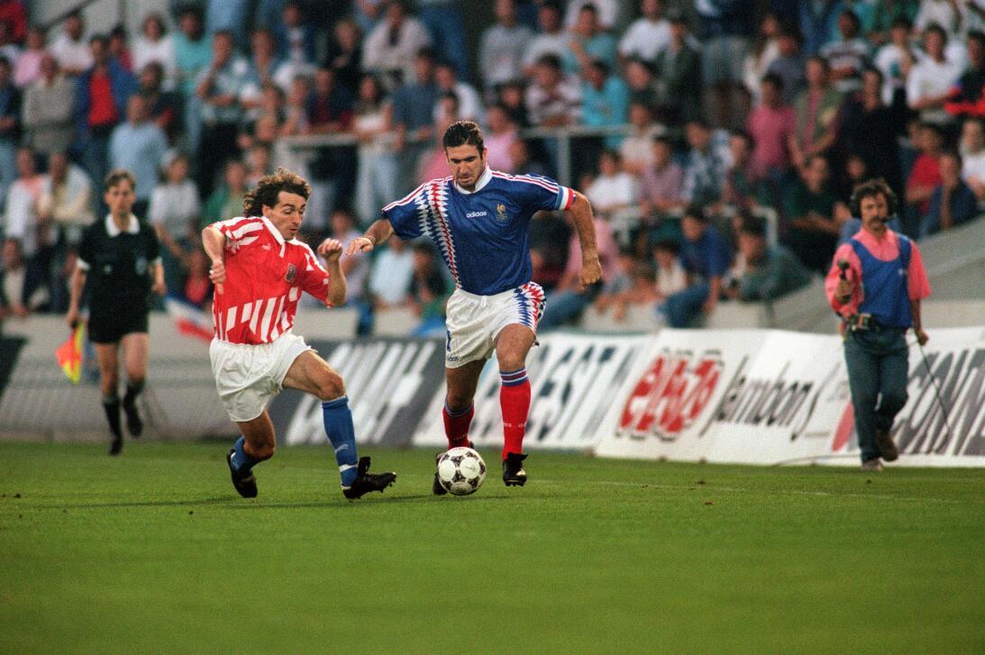 Grandes figuras del fútbol que no fueron a ningún Mundial Cantona.jpg