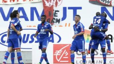 El empate del Lyon le coloca cerca de asegurar su participación en la Ch...