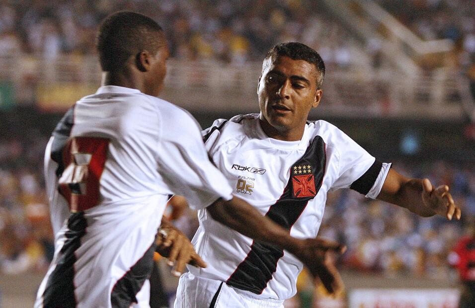 Romario: en sus últimos años como futbolista, en el 2007, el crack brasi...