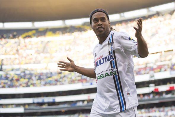 Ronaldinho está a 180 minutos de escribir un capítulo más en su historia...