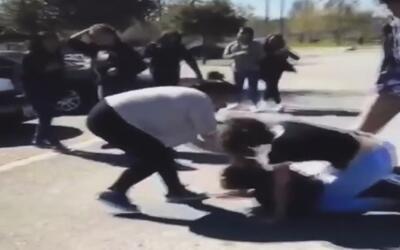 Captado en cámara: joven fue víctima de un hostigamiento en la escuela S...