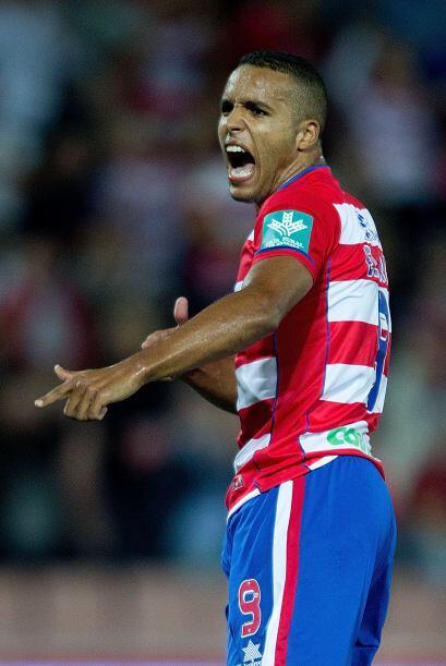El ataque inicia con el marroquí Youssef El-Arabi, jugador del Granada e...